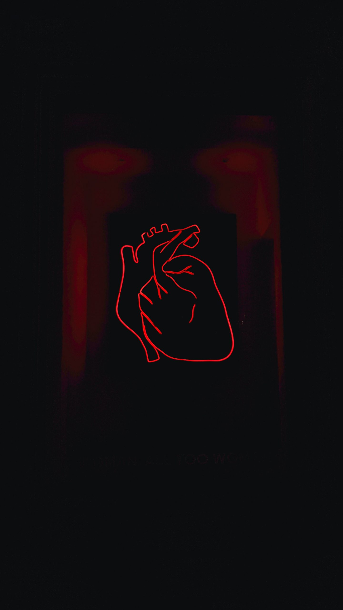 A red neon heart.